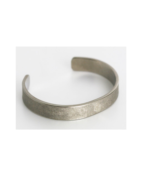 Domestic pure titanium bracelet [Bangle type] 梵 character (crystal flower finish) [Horie / H-TB-08]