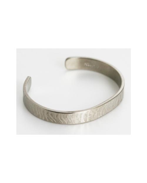 Domestic Pure Titanium Bracelet [Bangle Type] Zebra S Kabuki Specification (Crystal Hana Finish) [Horie / H-TB-10]