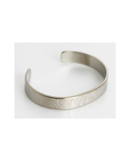 Domestic Pure Titanium Bracelet [Bangle Type] Zebra M Kabuki Specification (Crystal Hana Finish) [Horie / H-TB-11]