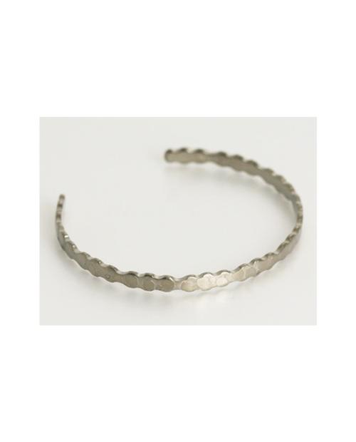 Domestic pure titanium bracelet [Bangle type] Small wave Kabuki specification (crystal finish) [Horie / H-TB-12]