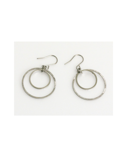 Domestic pure titanium hook earrings Circle B (crystal flower finish) [Horie / H-TP602R]