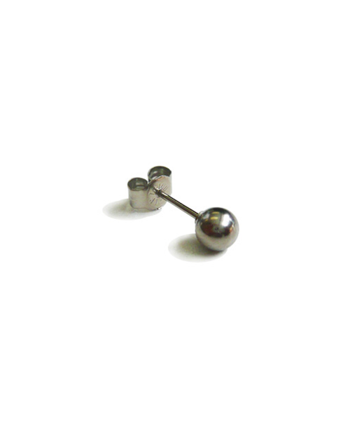 [For one ear] Domestic Pure titanium earrings ball φ 5.0 platinum [Horie / H-1-TP701E-01]